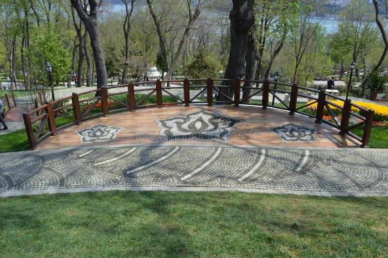 Mooi rust en gezichtspunt in Emirgan-Park in Istanboel royalty-vrije stock foto's