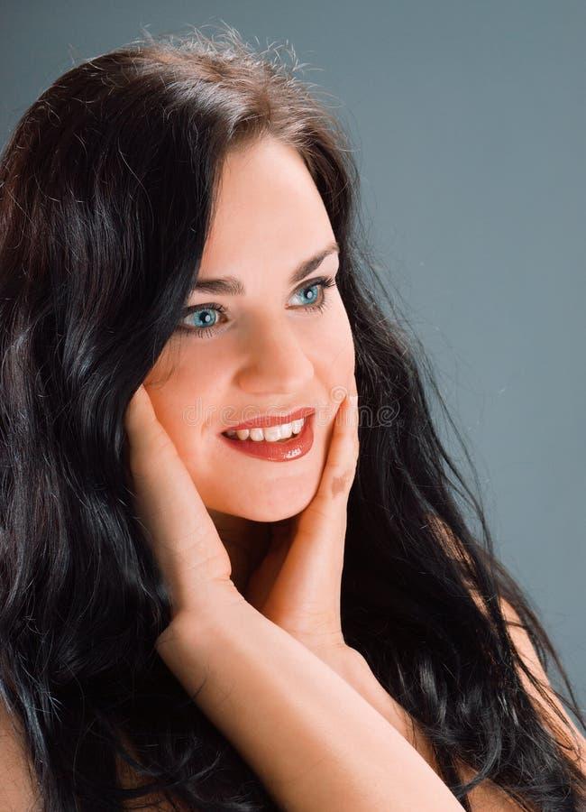 Mooi sexy donkerbruin meisje royalty-vrije stock foto