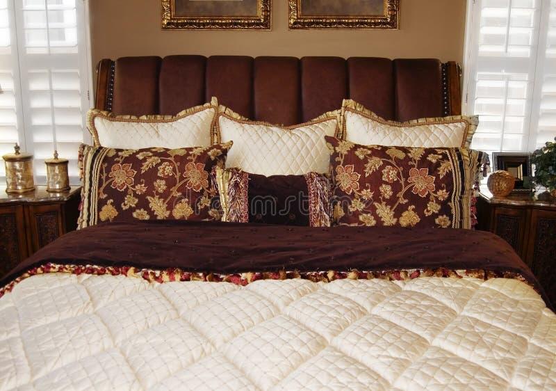 Mooi slaapkamer binnenlands ontwerp royalty-vrije stock afbeelding