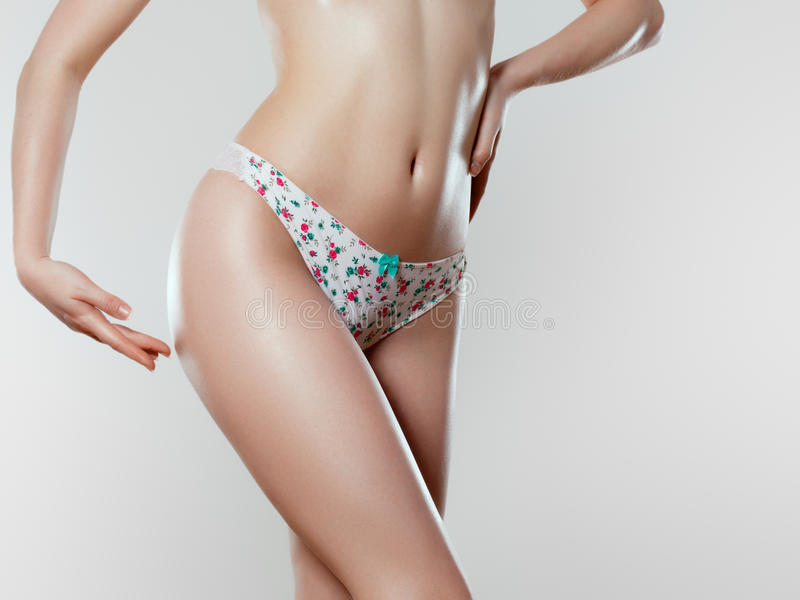 Mooi slank vrouwen` s lichaam Perfect slank gestemd jong lichaam stock foto