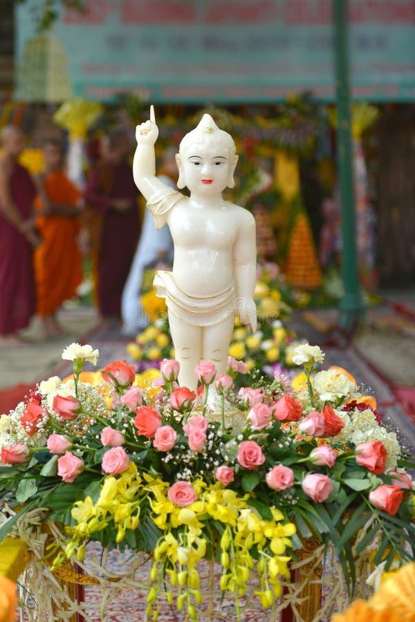 Mooi standbeeld van baby Boedha royalty-vrije stock afbeelding