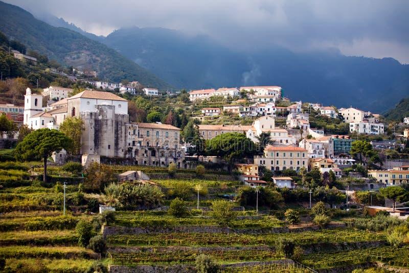 Mooi steil dorp van Ravello royalty-vrije stock fotografie