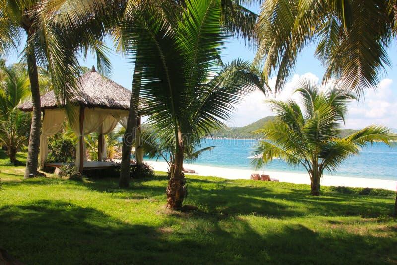 Mooi Strand De zomervakantie en vakantieconcept voor toerisme Inspirational tropisch landschap stock afbeelding