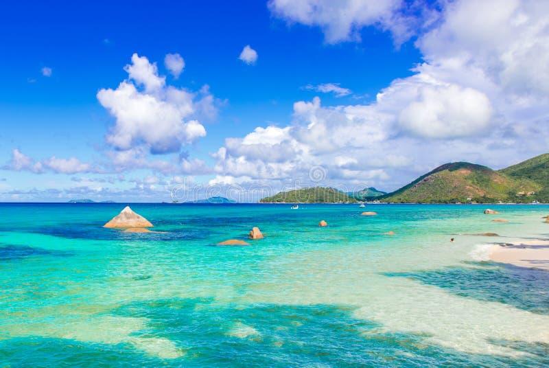 Mooi strand, Eiland Praslin - Seychellen royalty-vrije stock afbeelding