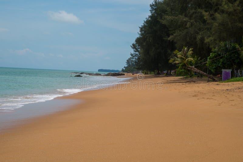 Mooi strand in Khao-LAK stock afbeeldingen
