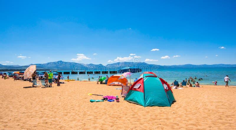Mooi strand in Meer Tahoe, Californië stock foto