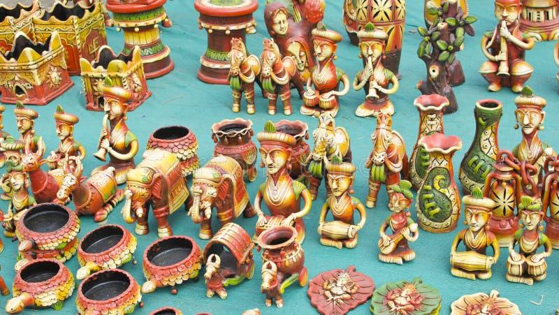 Mooi Terracotta Art Pieces en Beeldje stock afbeeldingen