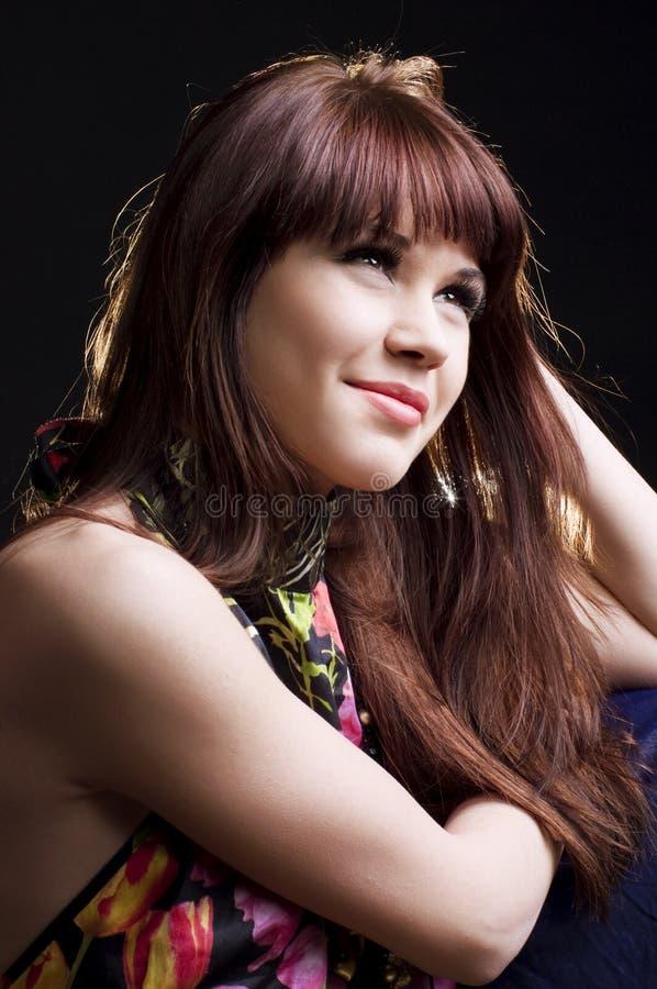 Mooi tienermeisje met lang recht haar stock afbeeldingen