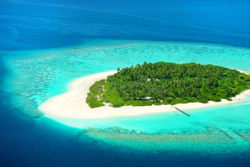 Mooi tropisch eiland van hierboven De Maldiven, de Caraïben of Sou stock foto's