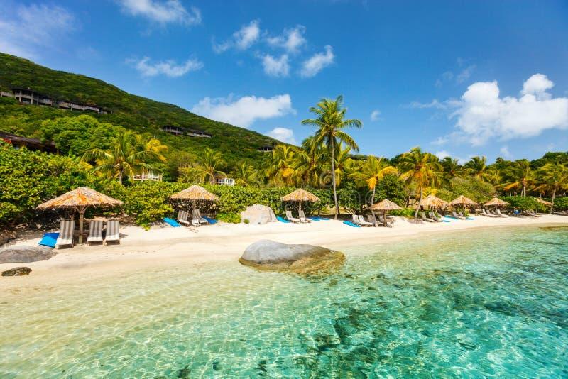 Mooi tropisch strand in de Caraïben royalty-vrije stock fotografie