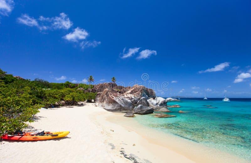 Mooi tropisch strand in de Caraïben stock foto