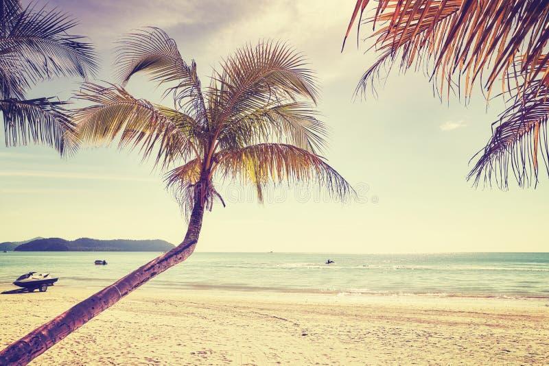 Mooi tropisch strand, kleur toegepast stemmen, Thailand royalty-vrije stock afbeeldingen