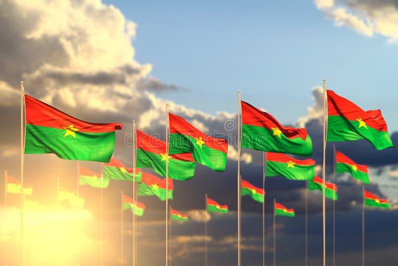 Mooi vele vlaggen van Burkina Faso op zonsondergang die in rij met bokeh en plaats voor uw inhoud wordt geplaatst - om het even w vector illustratie