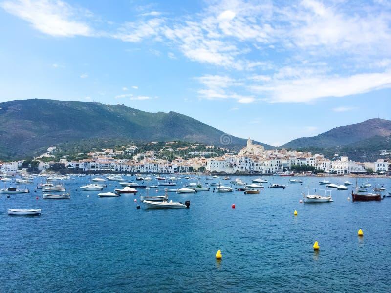 Mooi visserijdorp van Cadaques in Spanje royalty-vrije stock fotografie