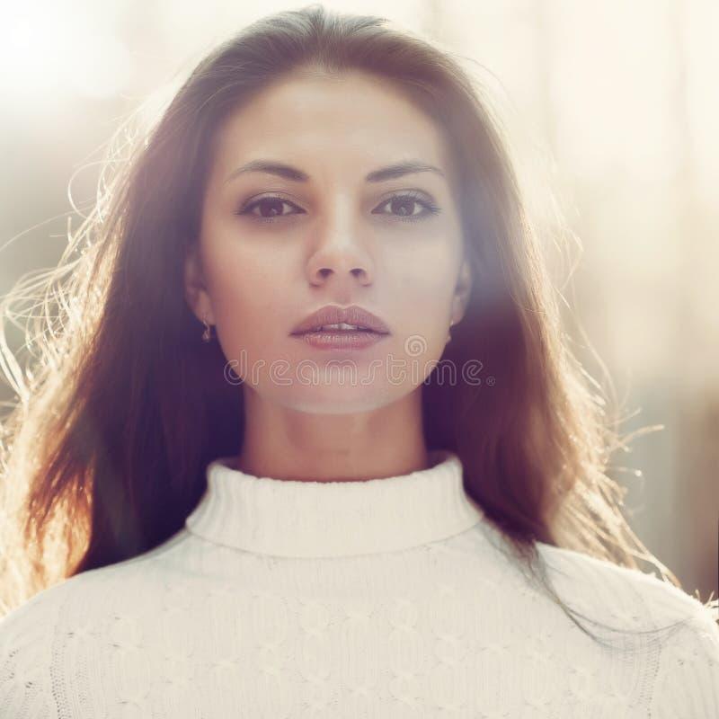 Mooi vrouwengezicht - close-upportret royalty-vrije stock foto