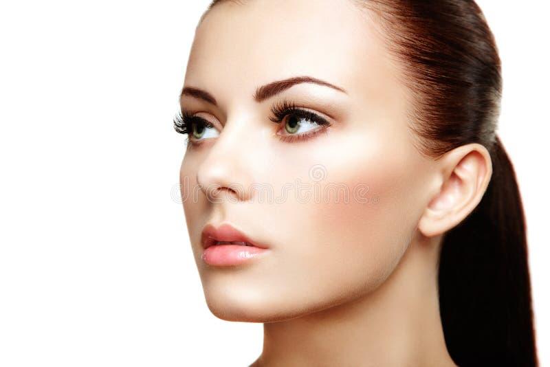 Mooi vrouwengezicht. Perfecte make-up stock foto's