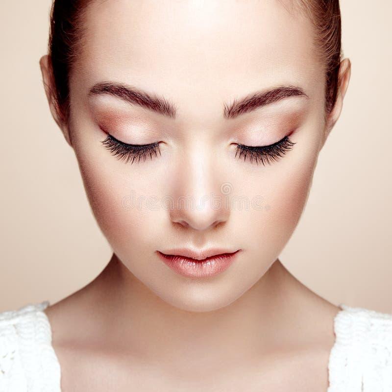 Mooi vrouwengezicht Perfecte Make-up stock afbeeldingen