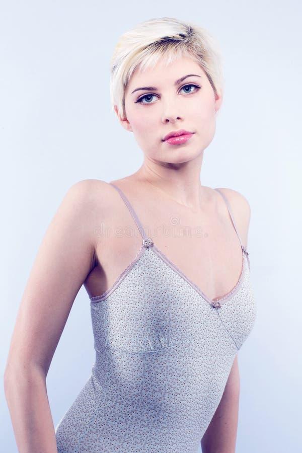 Mooi vrouwenmodel stock foto's