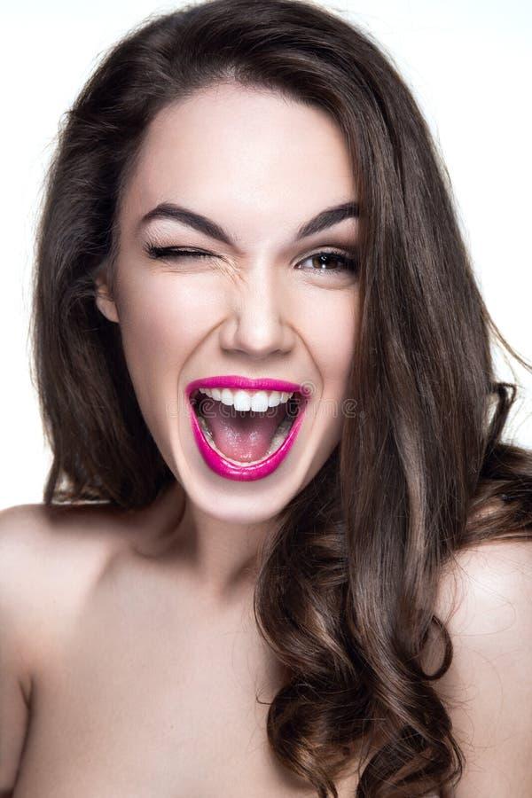 Mooi vrouwenportret met emotie op gezicht stock foto's
