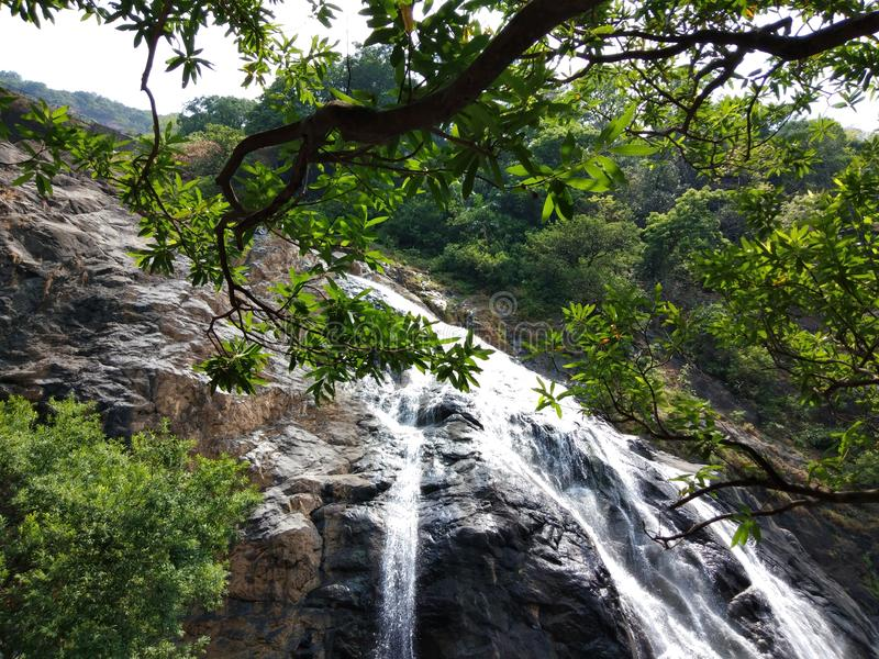 Mooi watervallenbeeld royalty-vrije stock foto