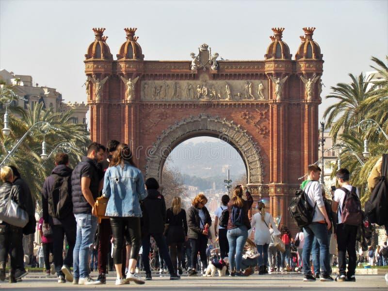 Mooi Weergeven van de Boog DE Triumf in Barcelona stock afbeeldingen
