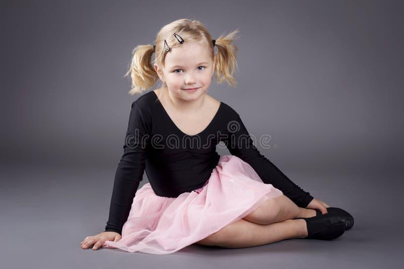 Mooi weinig ballerina royalty-vrije stock afbeeldingen