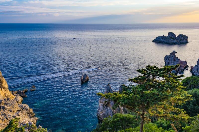 Mooi zeegezicht in Paleokastritsa in het eiland van Korfu, Griekenland royalty-vrije stock fotografie