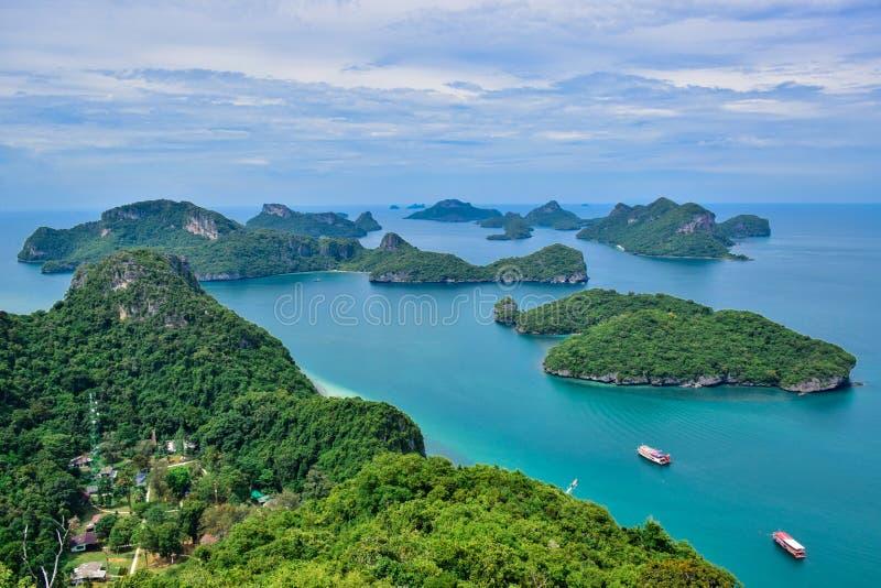 Mooi zeegezicht van Ang Thong Island National Marine-Park dichtbij Samui-eiland, Thailand, één van de beroemdste toeristenvakanti royalty-vrije stock afbeeldingen