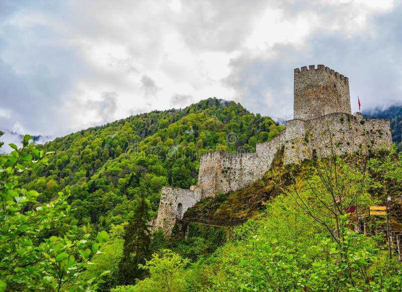 Mooi Zil-kasteel in stad van Trabzon stock foto's