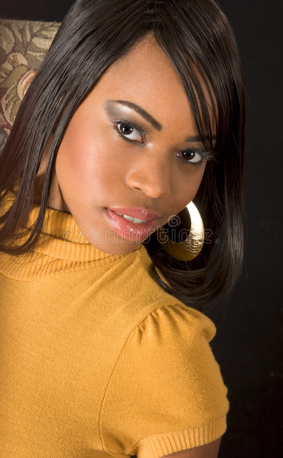Mooi zwart meisje (portret) stock fotografie