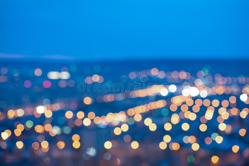 Mooie abstracte cirkelbokeh van stads vertroebelende lichten op blauwe B royalty-vrije stock foto