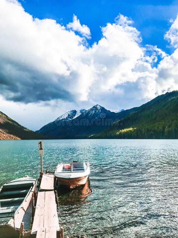 Mooie Altai-bergen September 2018 stock foto