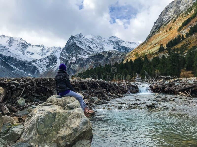 Mooie Altai-bergen September 2018 stock foto's