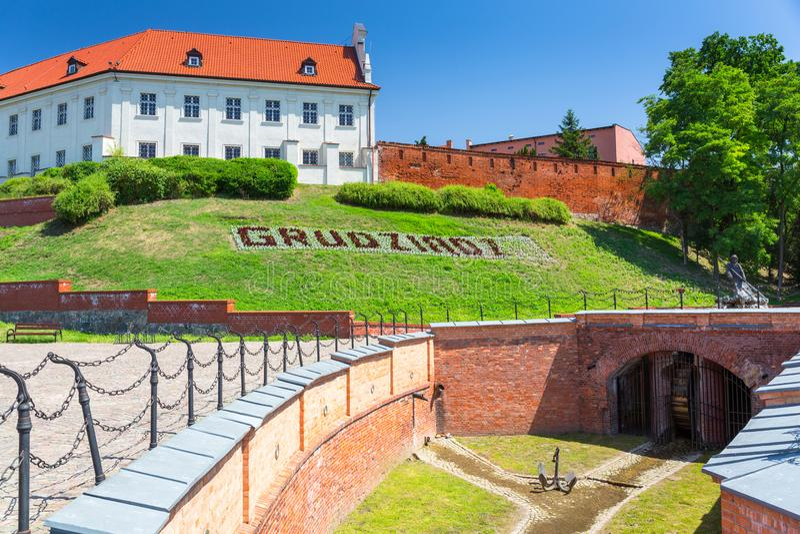 Mooie architectuur van Grudziadz-stad bij Wisla rivier, Polen stock foto