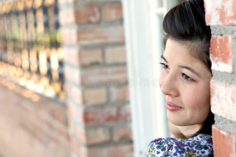 Mooie Aziatische Tiener op School stock afbeeldingen