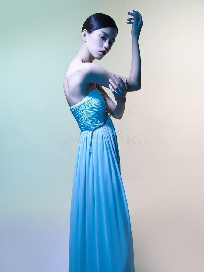 Mooie Aziatische vrouw De studioportret van de manier van mooie vrouw royalty-vrije stock afbeelding