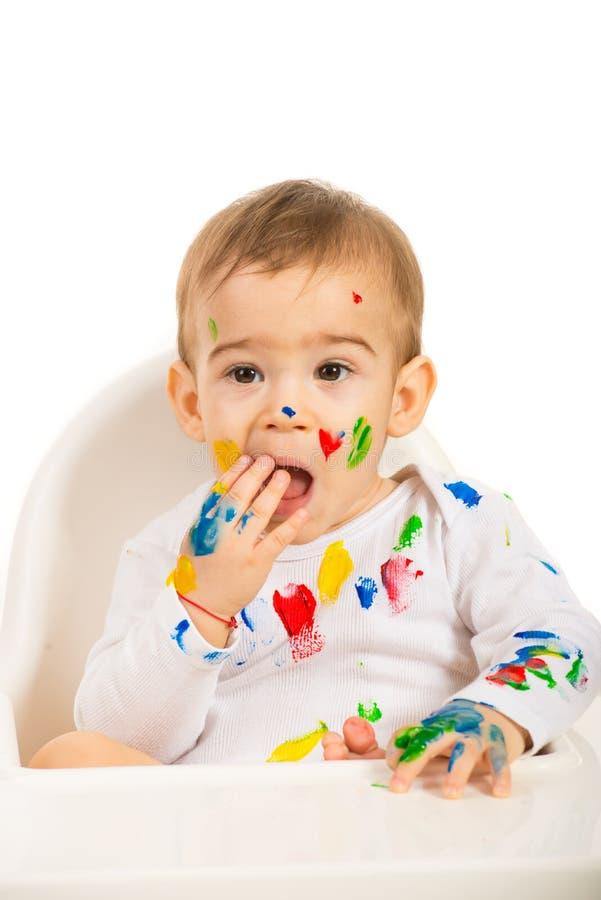 Mooie baby met verven op zijn lichaam royalty-vrije stock foto's