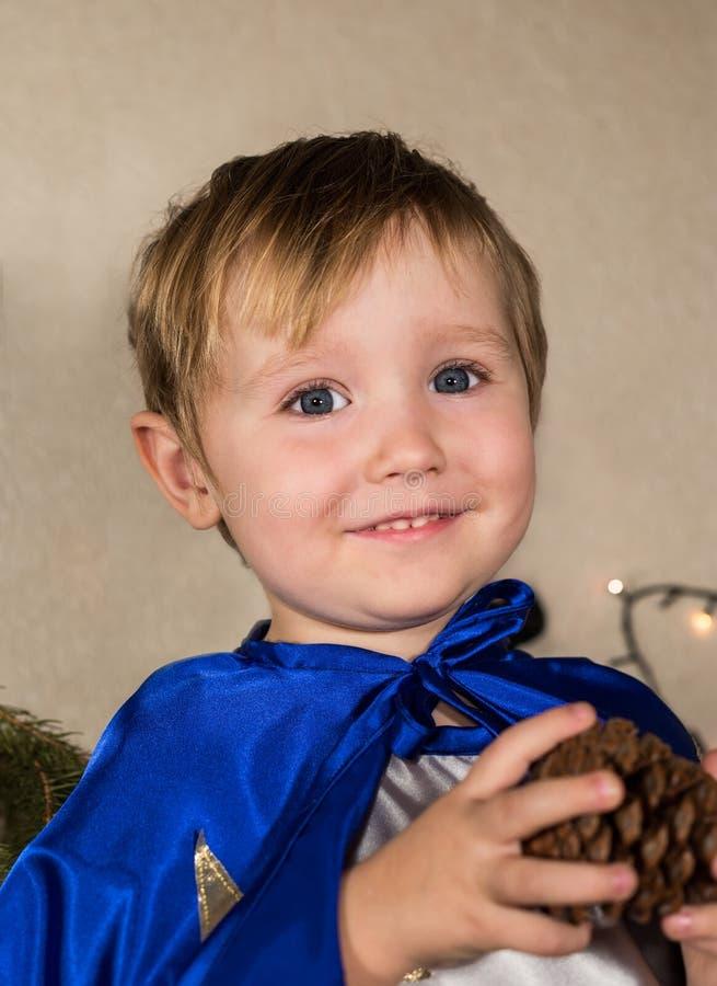 Mooie baby in Nieuwjaarkostuums stock afbeelding