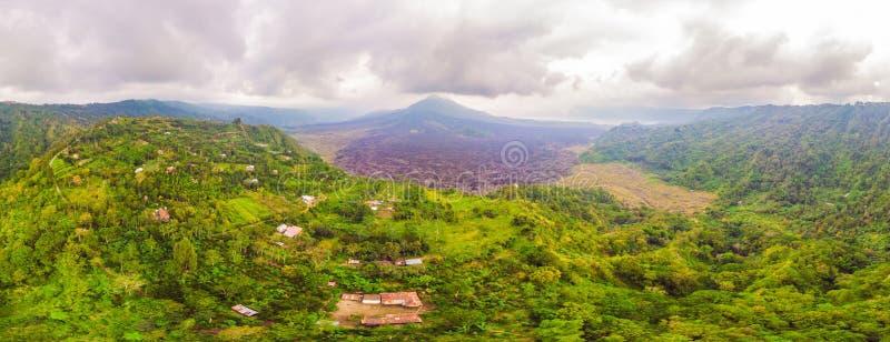 Mooie Batur-vulkaan, mening van hommel, panorama stock afbeelding