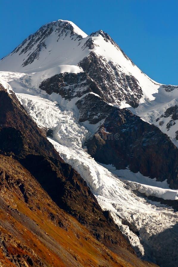 Mooie bergen stock foto's
