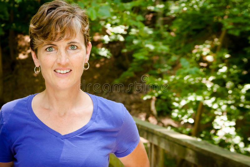 Mooie Blauwe Eyed Vrouw royalty-vrije stock afbeeldingen