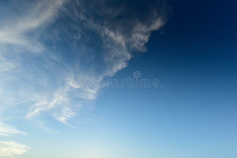 Mooie blauwe hemel stock fotografie