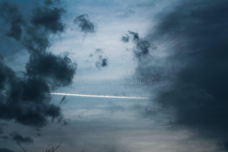 Mooie blauwe wolken royalty-vrije stock afbeelding