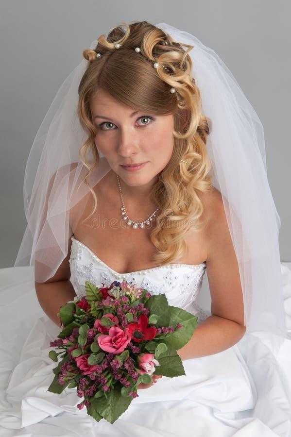 Mooie blonde bruid royalty-vrije stock foto's