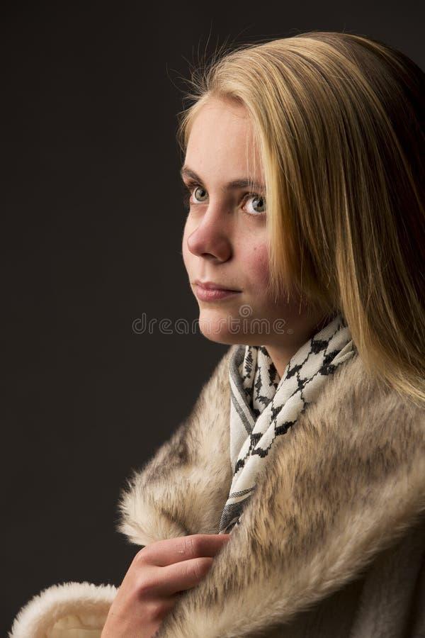 Mooie blonde tiener stock afbeelding