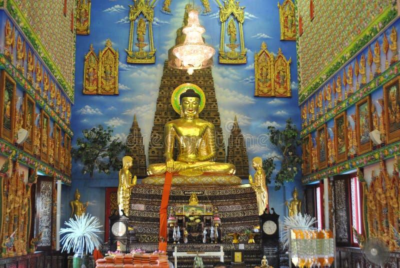 Mooie boeddhistische de bouw van het architectuurinzicht wat buakwan tempel in Thailand royalty-vrije stock fotografie