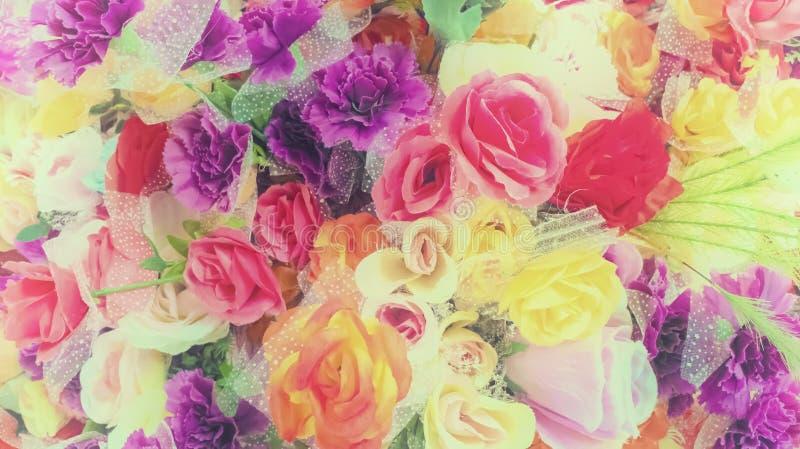 Mooie bos van bloemen Aard en Decorconcept Valentijnskaartendag en Verjaardagsconcept Natuurlijk thema Pastelkleur en wijnoogst royalty-vrije stock afbeeldingen