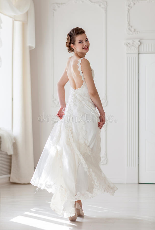 Download Mooie bruid stock foto. Afbeelding bestaande uit makeup - 39116734