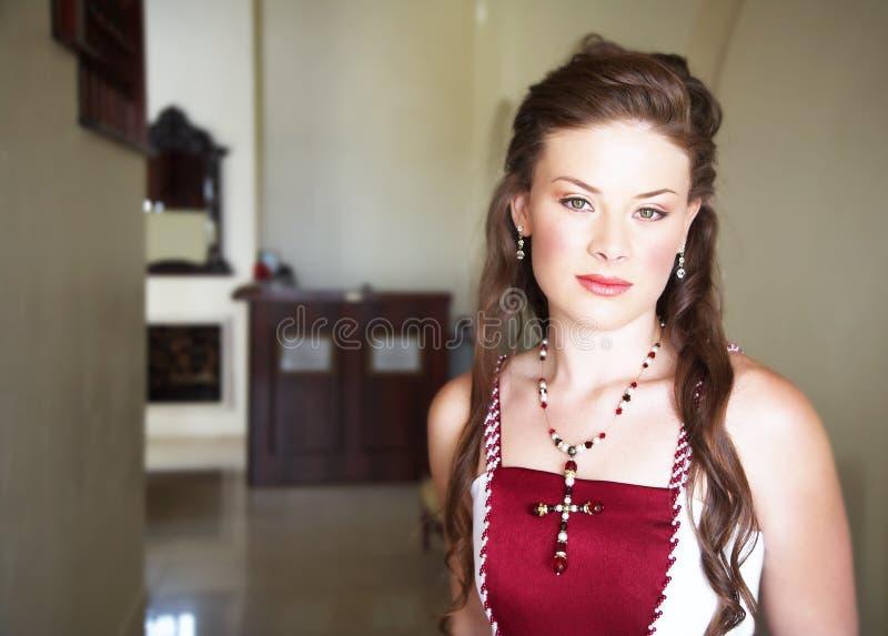 Mooie bruid met lang haar stock foto's