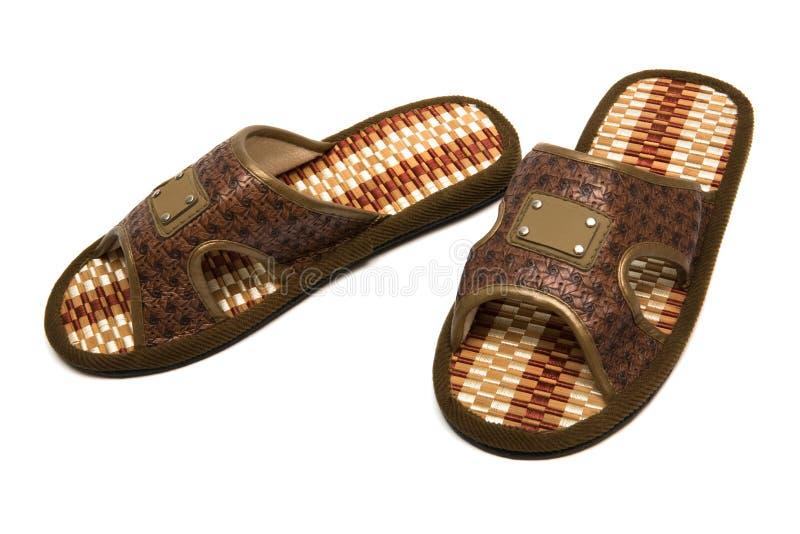 Mooie bruine pantoffels stock foto